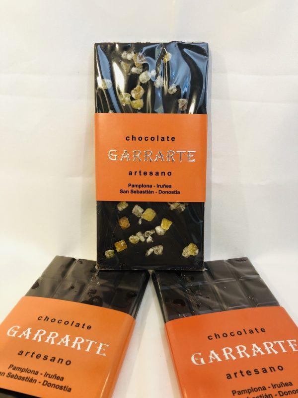 Tableta chocolate negro naranja. 80% cacao